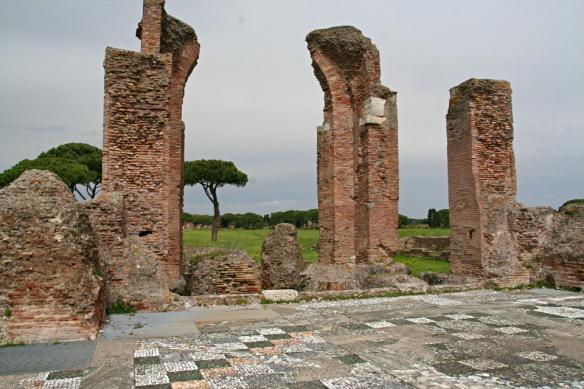 1188-Ostia-Terme-di-Porta-Marina-Apsis-mit-Becken