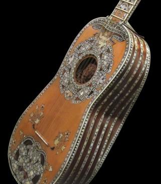 chitarra-mosca-cavelli-06-665x761