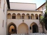 260px-Sulmona_-Santa_Chiara-_2007_by_RaBoe_01