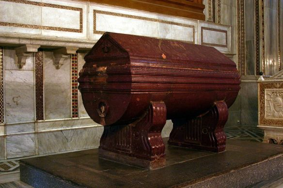 Tomb_of_William_I_of_Sicily_-_Cathedral_of_Monreale_-_Italy_2015