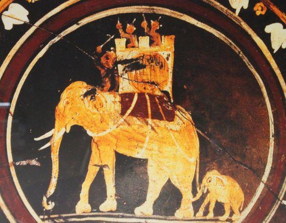 Piatto_con_elefanti_in_assetto_da_guerra_(Museo_nazionale_etrusco_di_Villa_Giulia,_Roma)